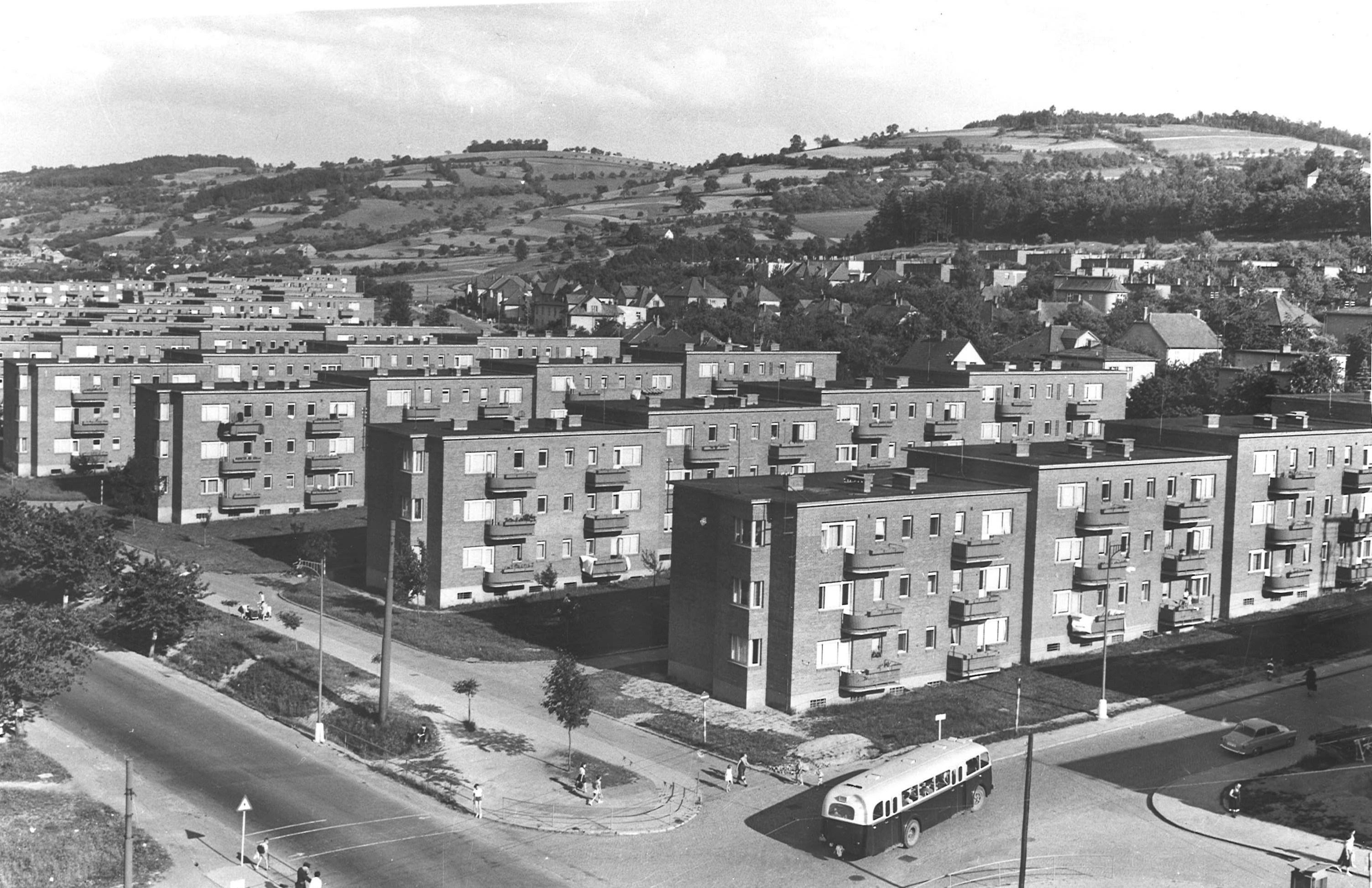 Tříetážové-domy-Gottwaldov_Centroprojekt
