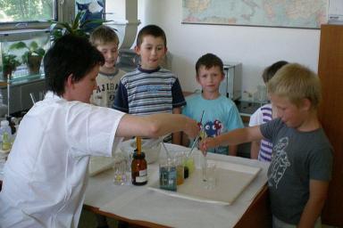 01_chemicke-odpoledne-pro-deti_centroprojekt
