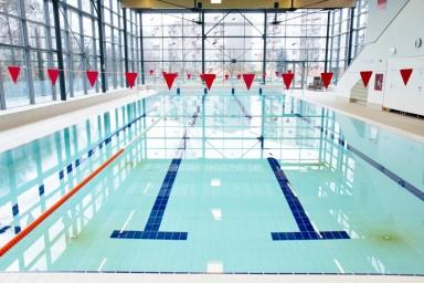 Nová bazénová technologie pro plavecký bazén se čtyřmi drahami
