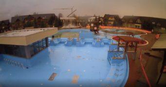 Časosběrné video zachycující výstavbu bazénu BT-7 v aquaparku Gino Paradise v Bešeňové